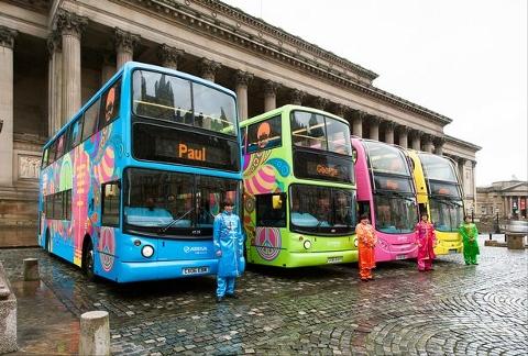 The Beatles Polska: Autobusy Sierżanta Pieprza w Liverpoolu