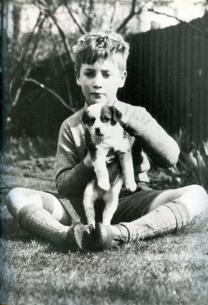 The Beatles Polska: Urodził się John Lennon