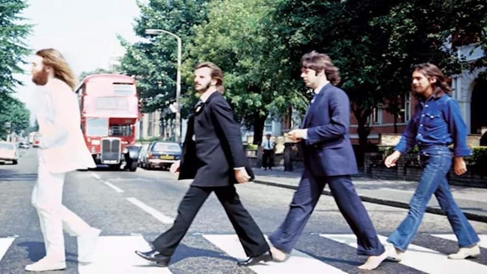 """The Beatles Polska: """"Nowe"""" zdjęcie Beatlesów na Abbey Road zrobione przez Lindę McCartney"""