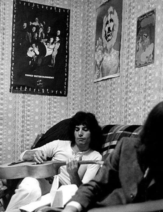 The Beatles Polska: Freddie Mercury zamieszkiwał pod błękitnym, podmiejskim niebem na ...Penny Lane