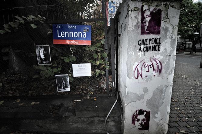 The Beatles Polska: Radny PiS chciał zdekomunizować ulicę Johna Lennona